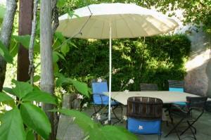 Coin cuisine d'été côté piscine