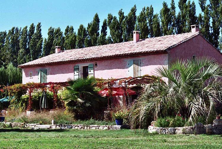 La maison d'hôte et les gîtes du Mas de la Chouette