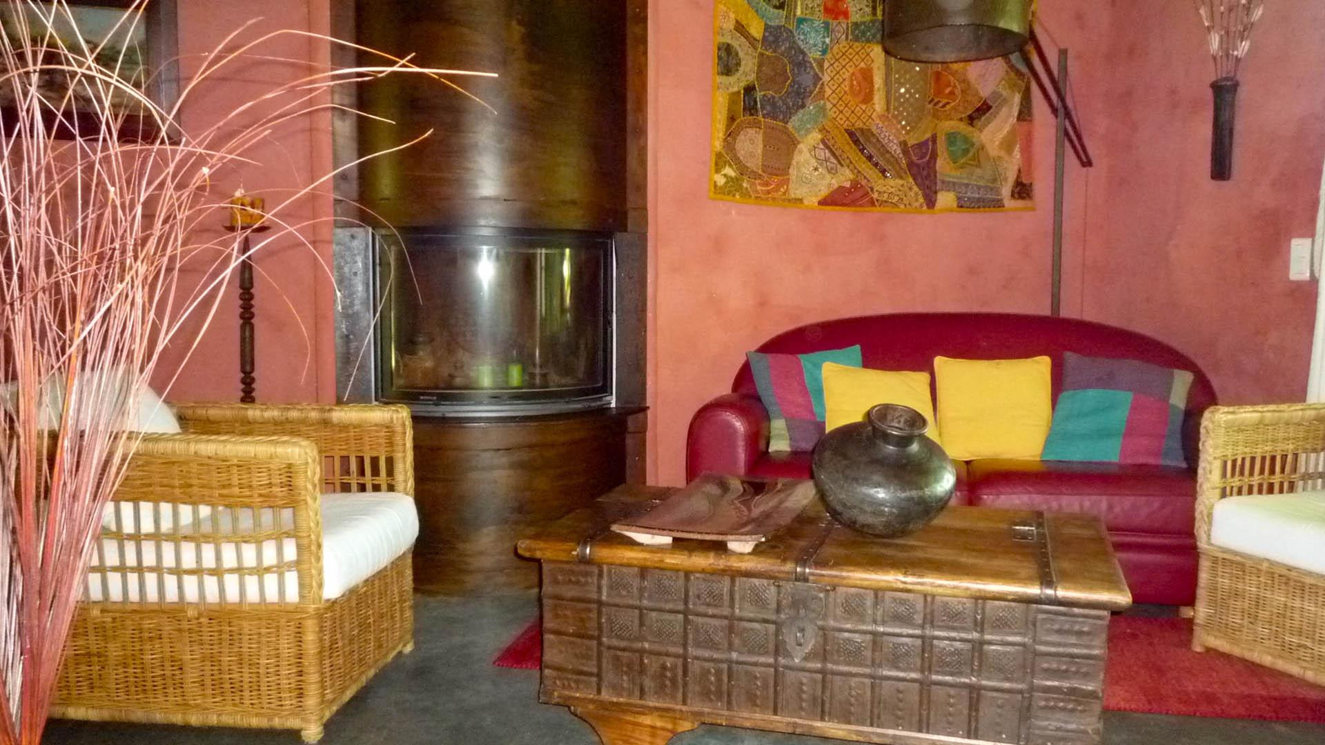Détail décoration du salon gîte Ocre Mas de la Chouette 3