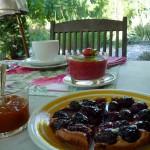 Petit déjeuner Mas de la Chouette Tarte faite maison